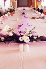 Naše svatební tabule - hostina byla na přehradě v hotelu Santon, doporučuji v dodavatelích