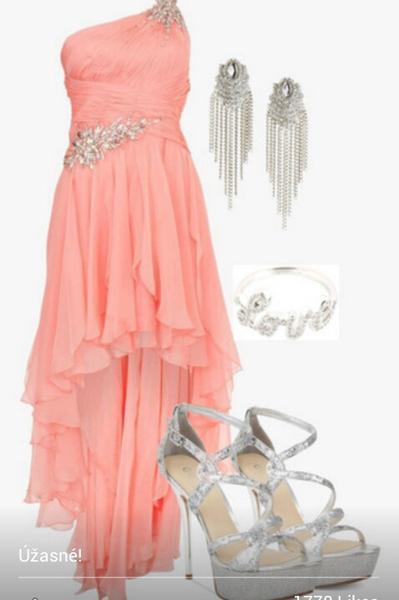 Hľadám tieto šaty, vie... - Obrázok č. 1