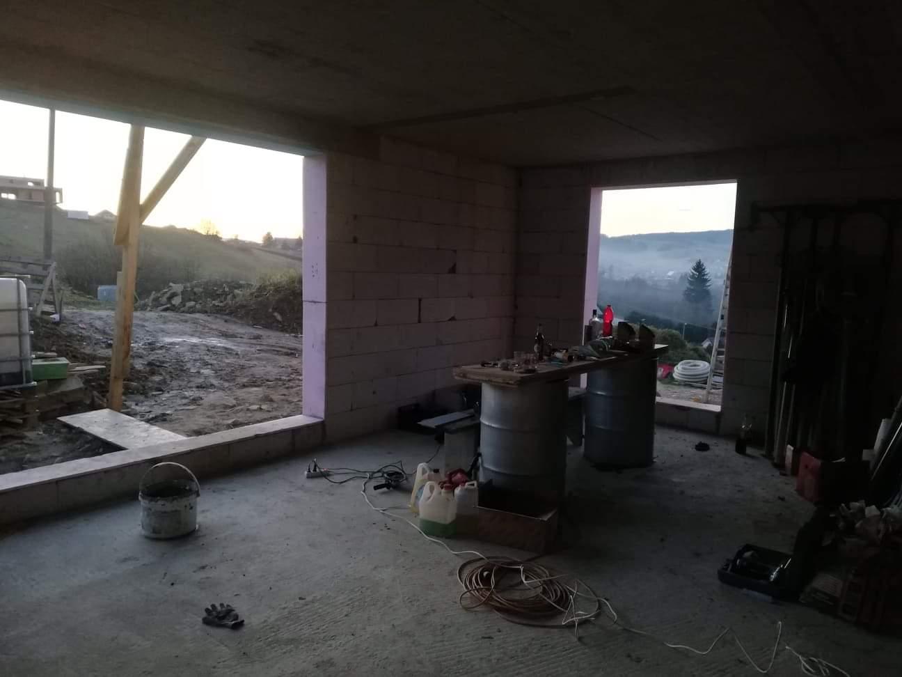 Náš domček ❤️🏡 - Ešte prázdne okná