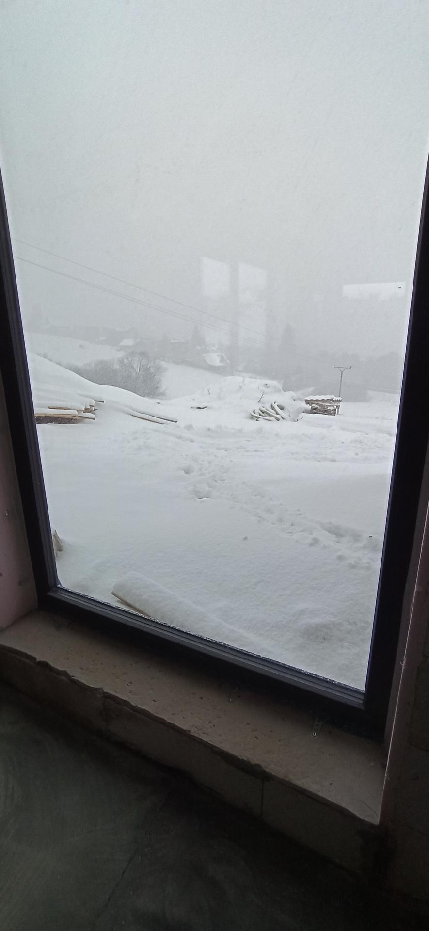 Náš domček ❤️🏡 - Nasnežilo nám.