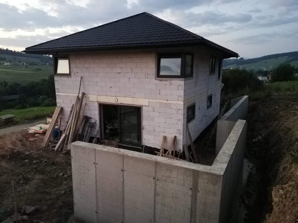 Náš domček ❤️🏡 - Pohľad zhora na celý oporák.