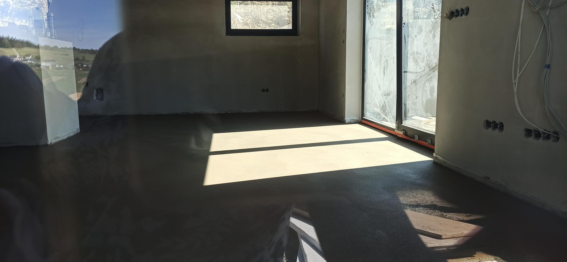 Náš domček ❤️🏡 - Slnko nám svieti na čerstvý poter