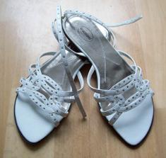 Sandalky bez podpatku Deichman) - bude horko a v zavrenych lodickach bych umrela.