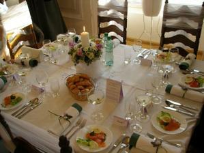 jeden zo svadobných stolov