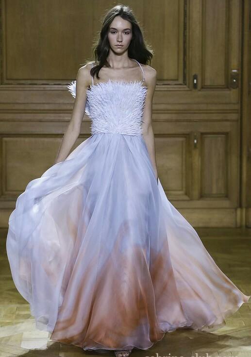 Šaty.....Zaujímavé, originálne, či extravagantné? - Obrázok č. 46