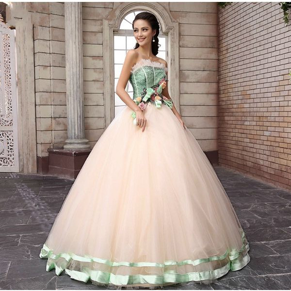 Šaty.....Zaujímavé, originálne, či extravagantné? - Obrázok č. 89