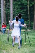 Krátké svatební nebo popůlnoční šaty s vlečkou, 36
