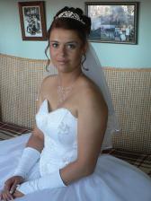 tak tohle měla být moje svědková ale čeká rodinku, ale slíbila že na svatbu se příjdou kouknout !!
