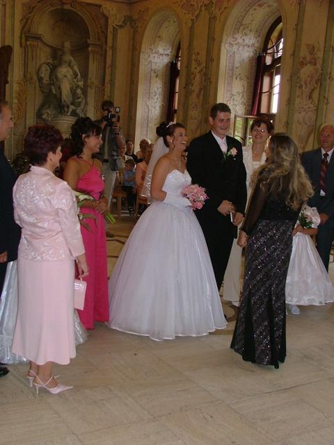 8. 9. 2007 Mája a Romik - a tady je s manželem :)
