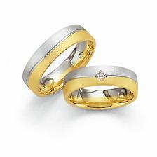 tak tohle jsou naše prstýnky, konečný výběr