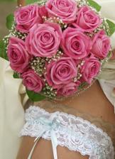 Představ o svatební kytce bylo mnoho a mnoho...