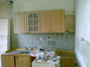 a takto dopadla kuchyna, zatial takto zijeme...