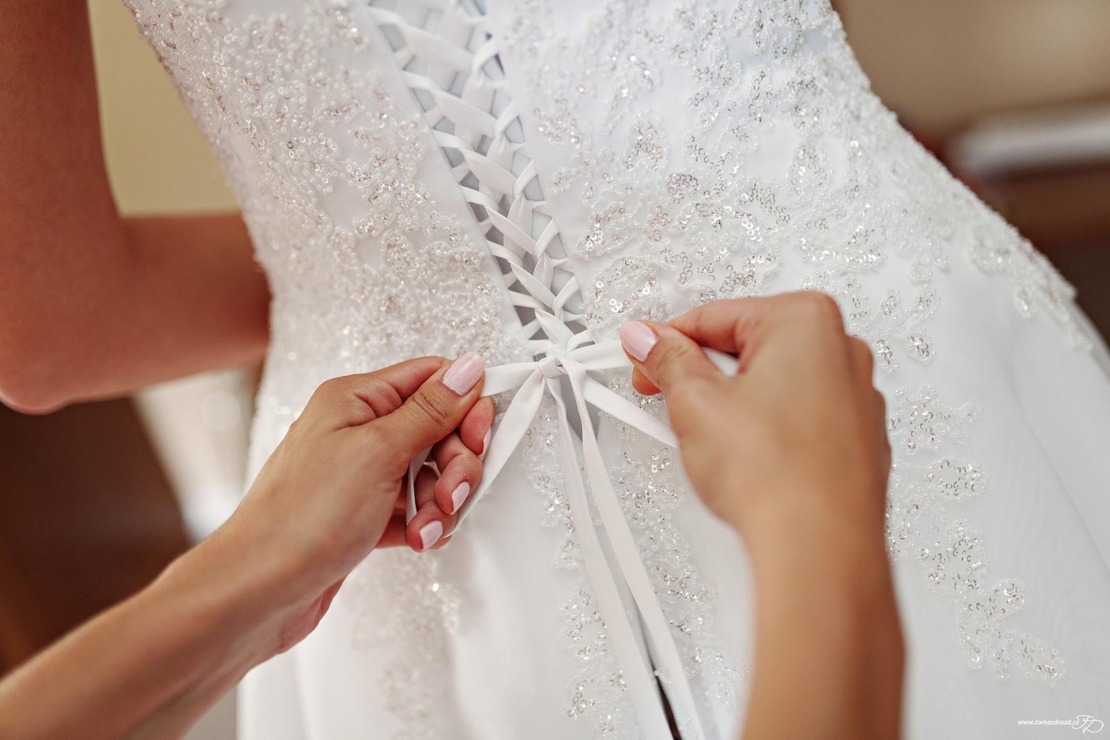 Svatební šaty Agnes šité na míru - Obrázek č. 4