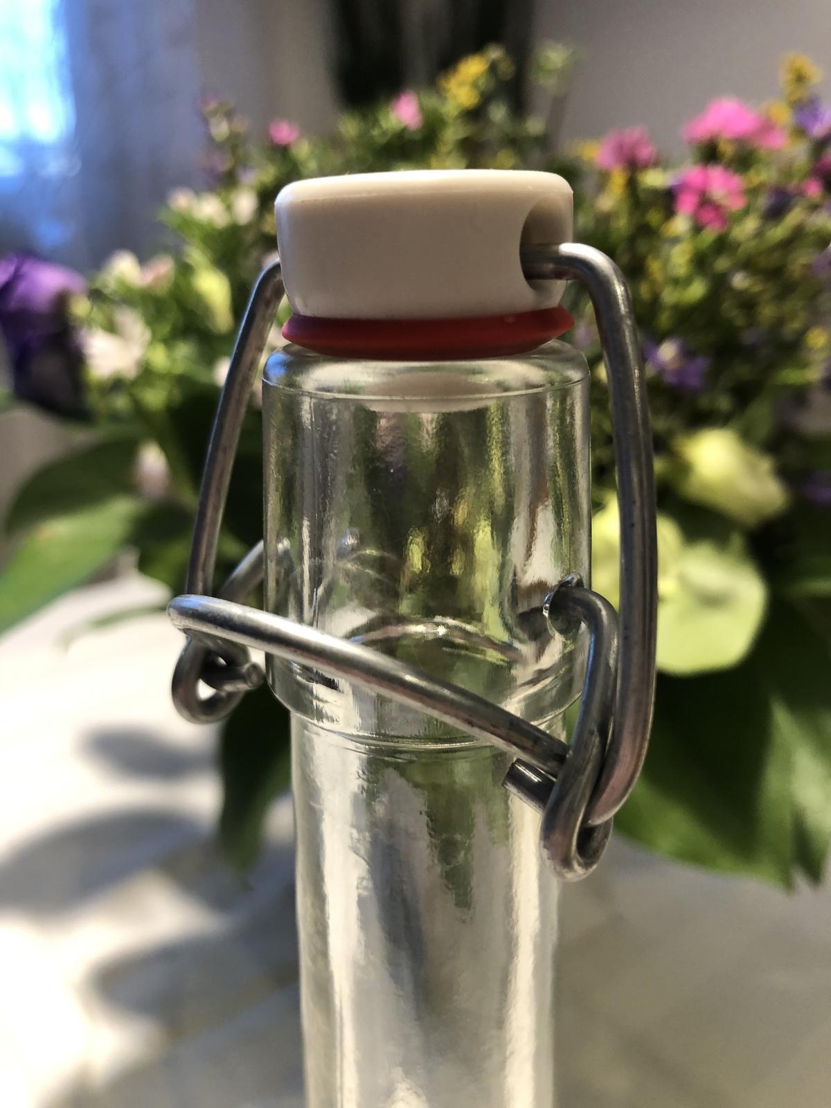 Láhve na vodu nebo jiné nápoje s uzávěrem - Obrázek č. 3