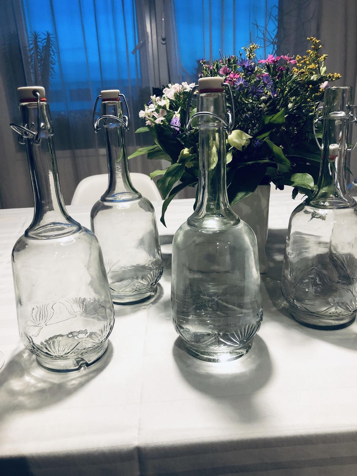 Láhve na vodu nebo jiné nápoje s uzávěrem - Obrázek č. 1