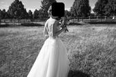 Krajkové ručně šité šaty, 36