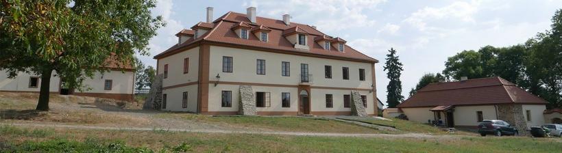 The place: Ekofarma Skřivaň