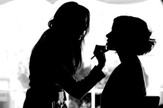 Make-up and hairstyle artist, zařízeno!