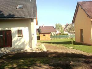 9.5.2012 pohled z druhé strany k domu