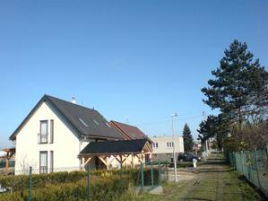 29.10.2010 dokončené stání a pergola