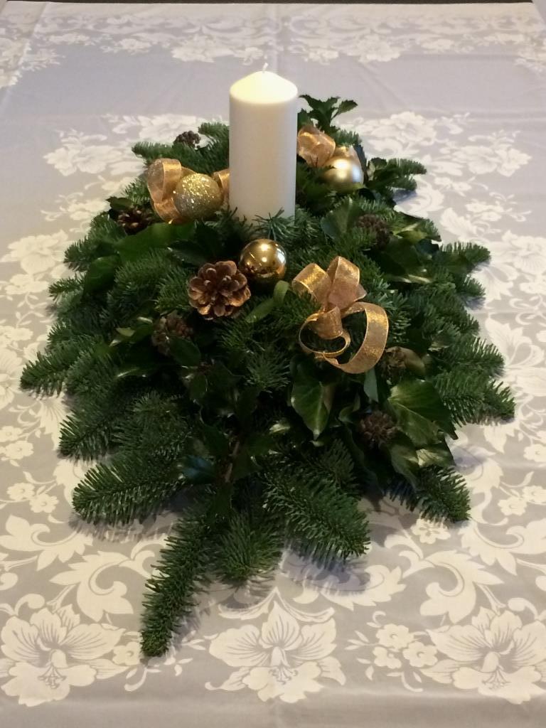 Dekorace z květin Pro radost - 2016 na vánoční stůl