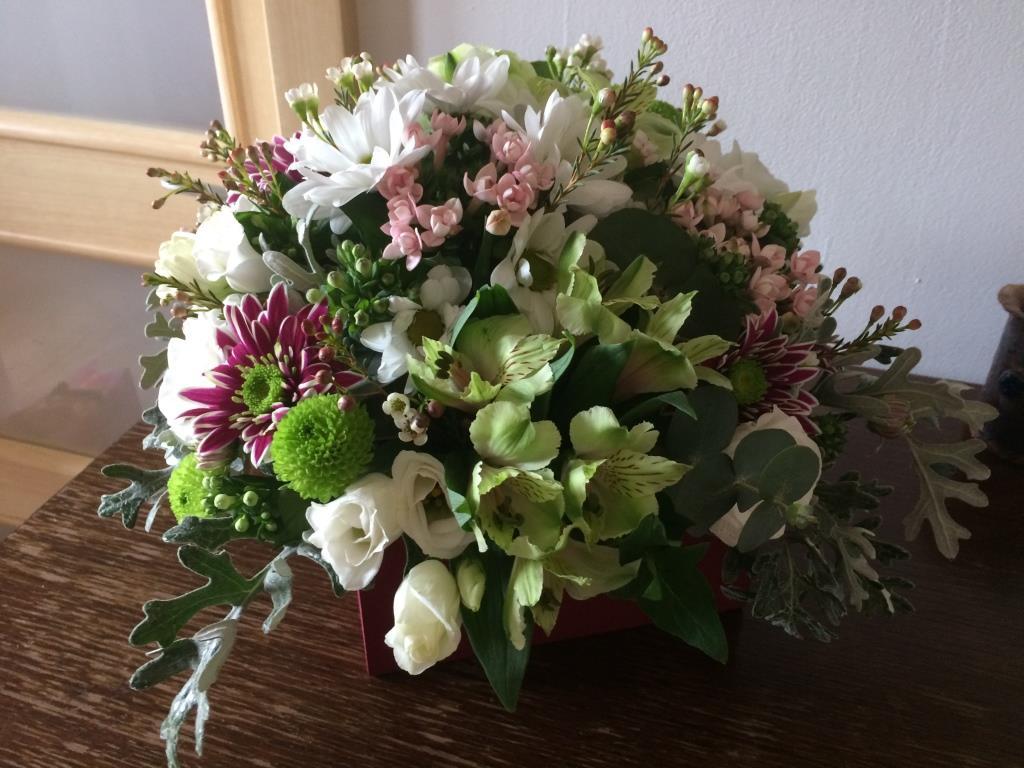 Dekorace z květin Pro radost - mám ráda eustomu, eukalyptus, alstromerie, chryzantémy různých tvarů a barev