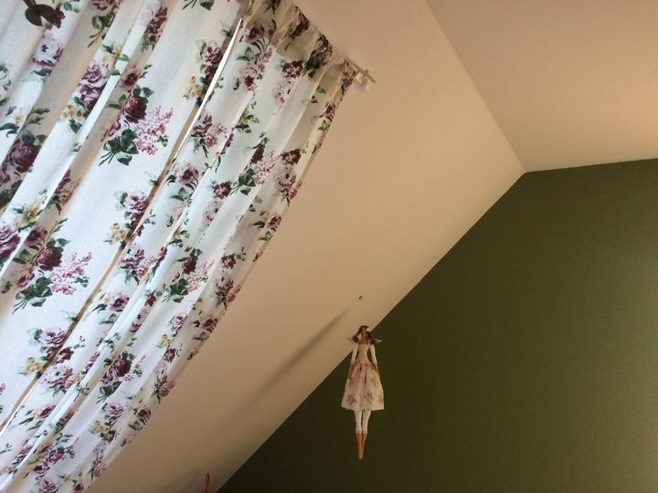 ...a závěsy místo rolety do střešního okna jsou na světe