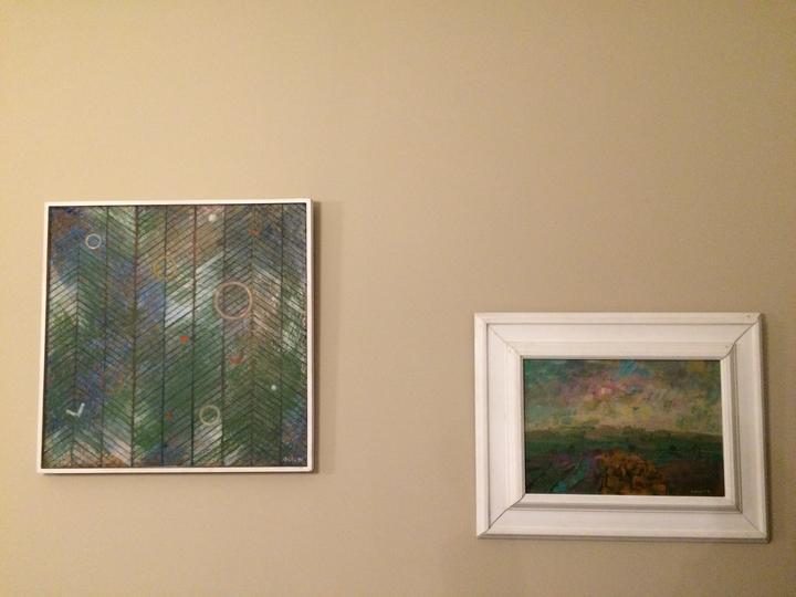 """...a obrázky taky zůstanou.  Ten vlevo má název """" V lese"""" a vpravo je """"Před bouří"""""""