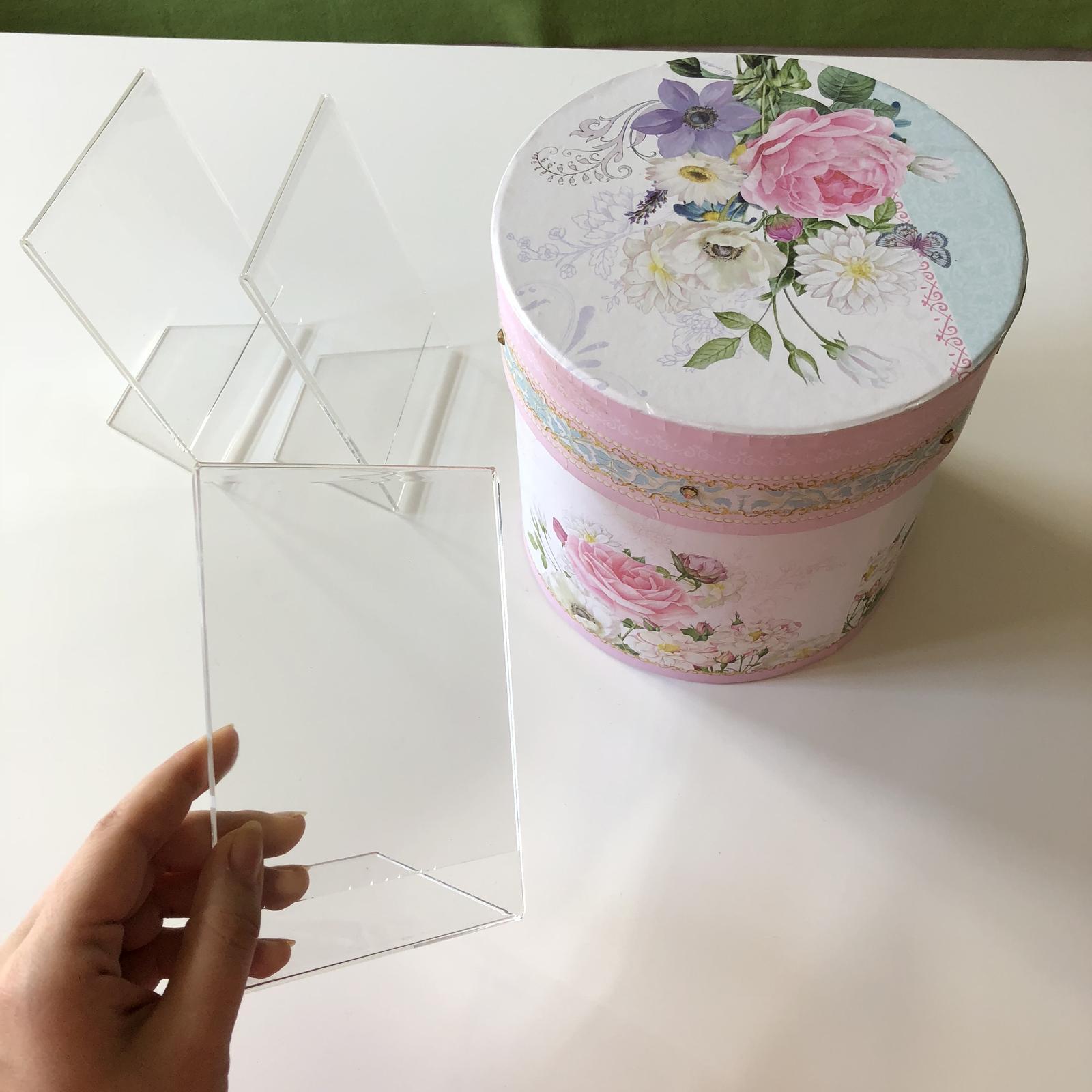 Kulatá romantická krabice - Obrázek č. 1