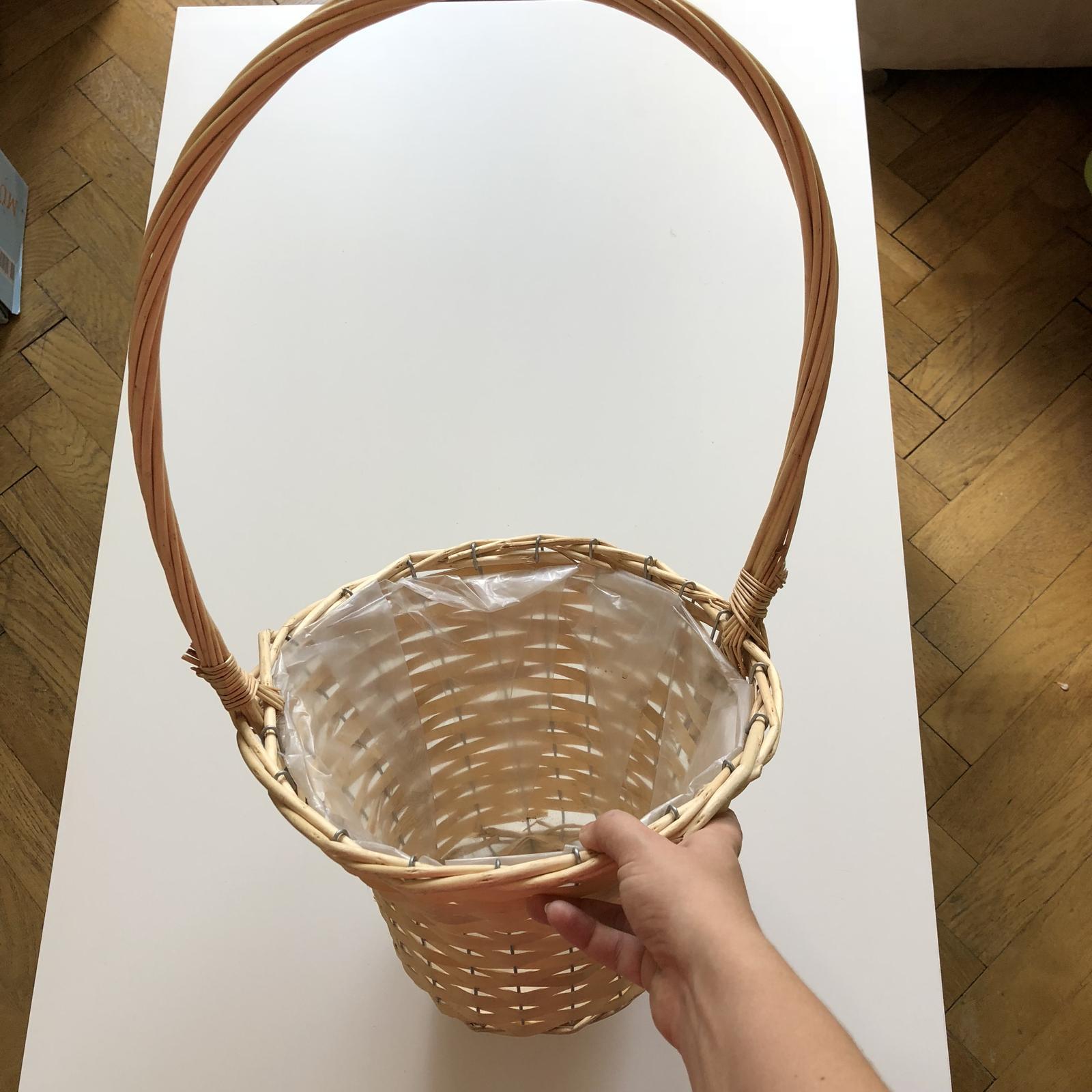 Proutěný kulatý košík - Obrázek č. 1