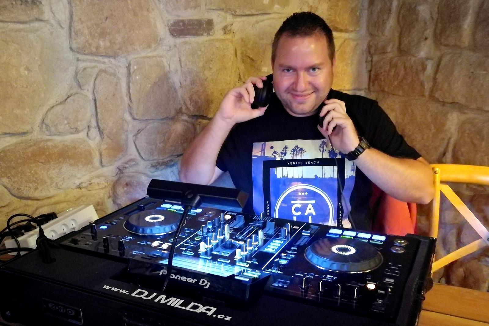 Svatební & párty DJ a moderátor - Obrázek č. 1