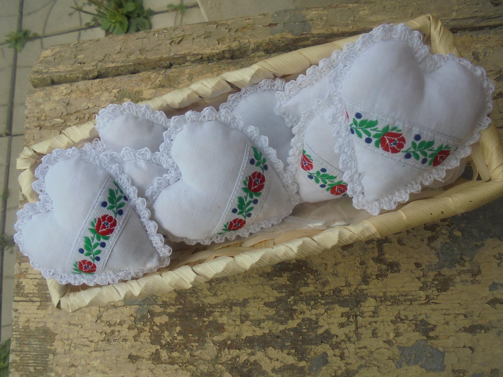 Ľudové svadobné  darčeky.pierka a dekoracie - Obrázok č. 2