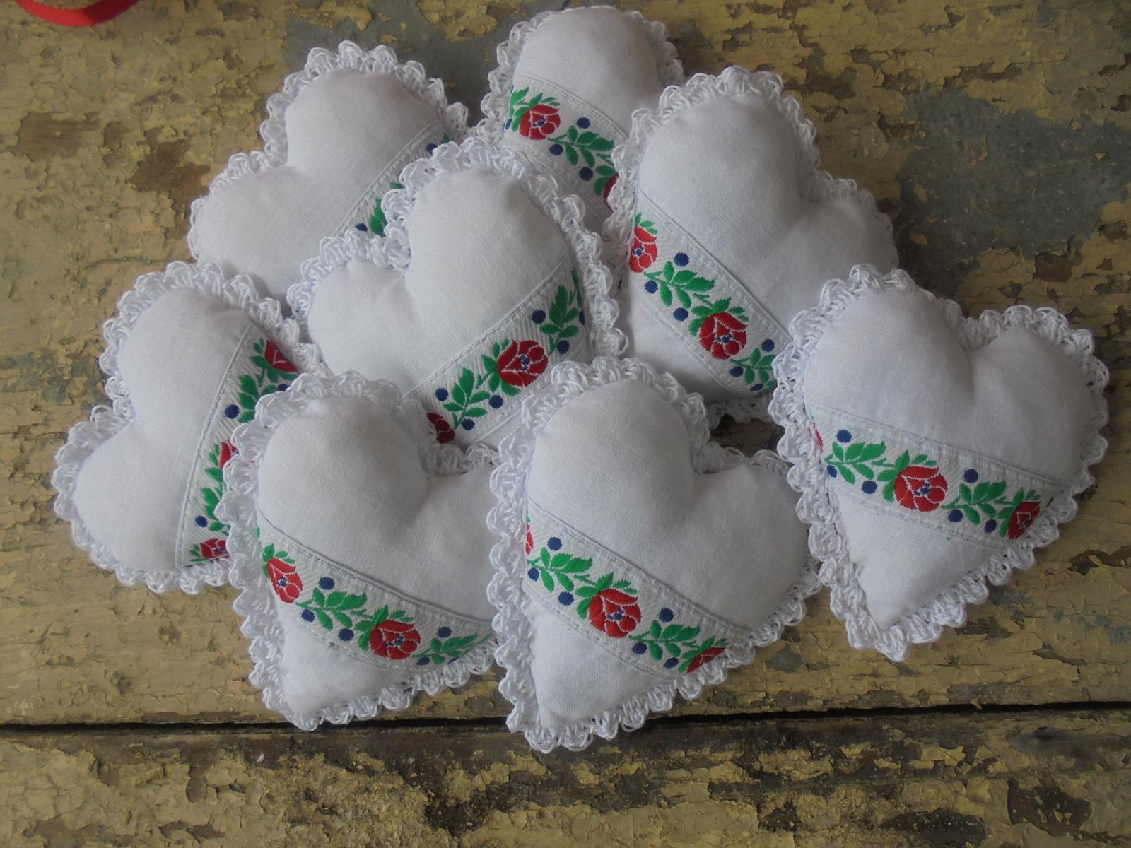 Ľudové svadobné  darčeky.pierka a dekoracie - Obrázok č. 3