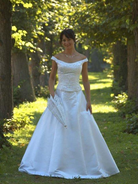 M + P představy a skutečnost, smetanovo - bílá svatba - v podobném stylu bych chtěla šaty :-)