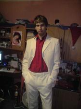 tohle je můj miláček ve svatebním obleku