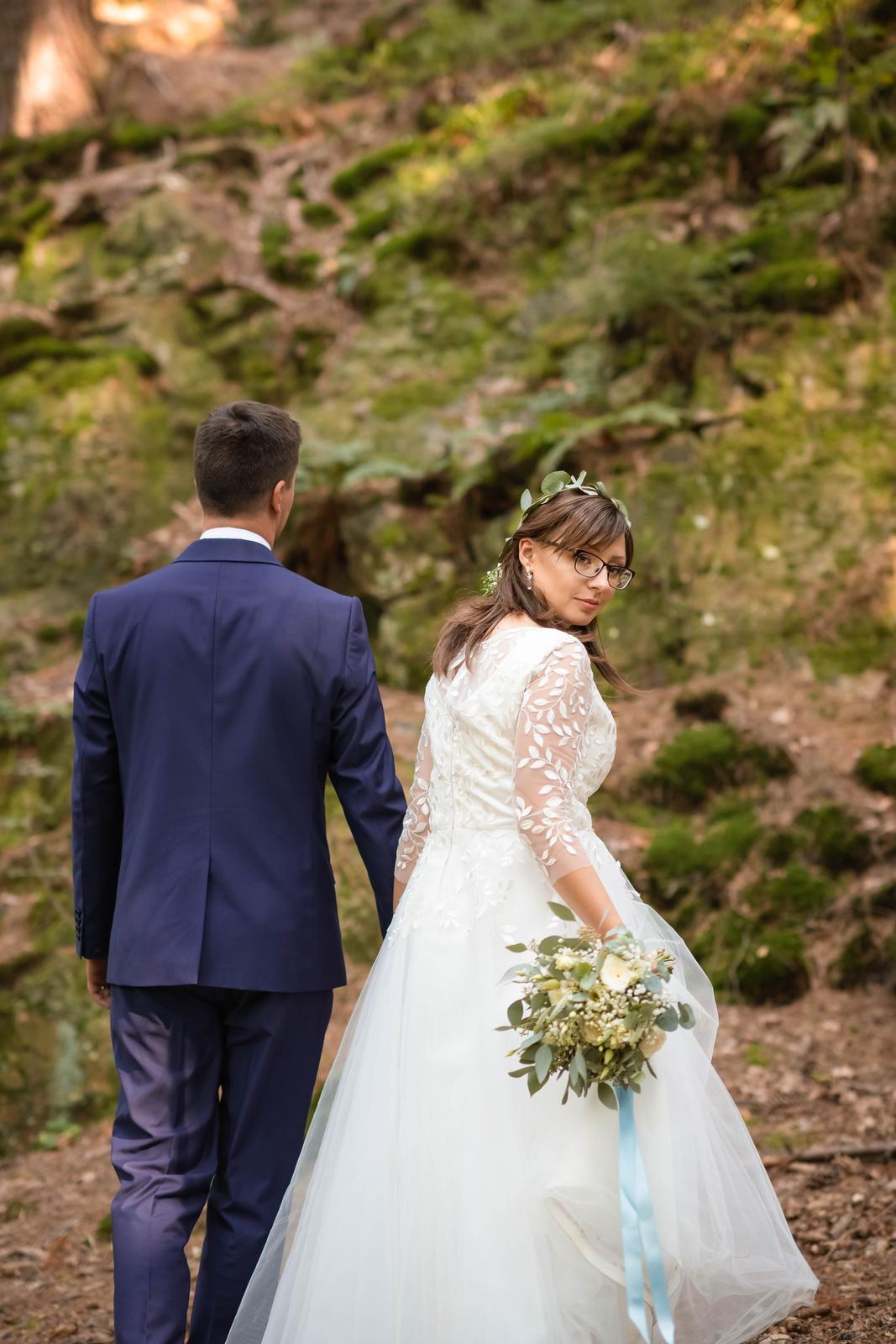 Svatební šaty s lístečky - Obrázek č. 4