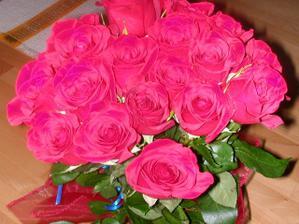 19 ruzi,symbolicky podla datumu nasho prveho stretnutia
