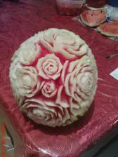 vola sa to fruit carving a venujem sa tomu  roky.