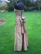 šaty pro svědkyni sestřičku ze svat.salonu CAXA