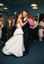 První novomanželský taneček!