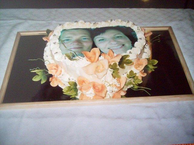 Ľudka Kmecová{{_AND_}}Roman László - naša torta s fotkou