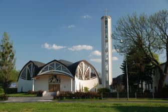 Tady bude obřad: kostel v Pustkovci