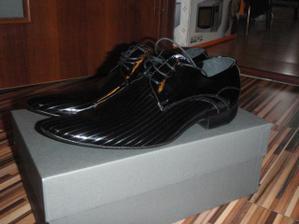 ženíchove krásne topánky