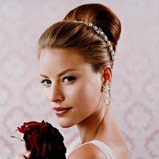 Svatební účes, šperky budou podobné