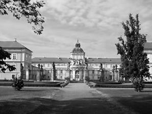 tady máme obřad...na zámku v Hořovicích...je to tam moc krásné...