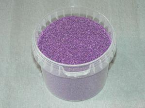 objednané kamíny pod plovoucí svíčky v barvě lila