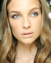jemný make-up
