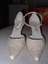 moje nové botičky - a jak mě z nich bolí noha ;o))))