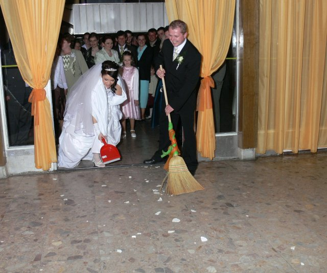 Lucia{{_AND_}}Matúš - robotneho muzicka som si vzala....