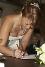 Stvrzeno podpisem 2